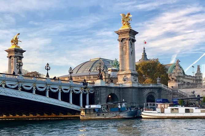Champagne Tasting on a Seine River Cruise, Paris, FRANCIA