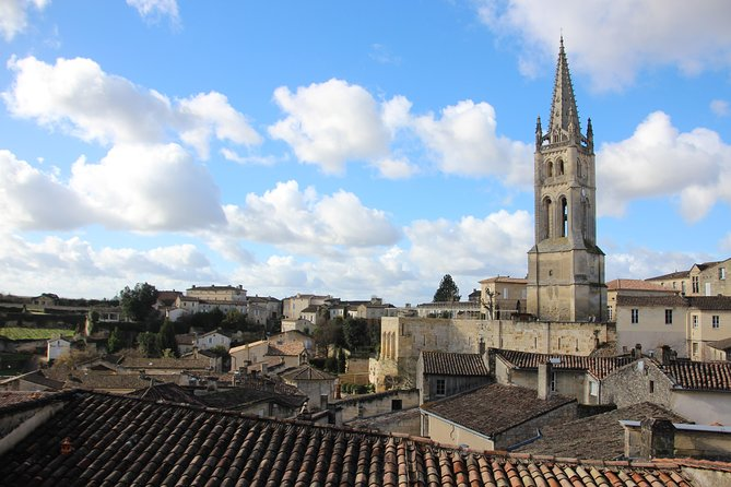 From Bordeaux: Express Saint-Emilion private wine tour.