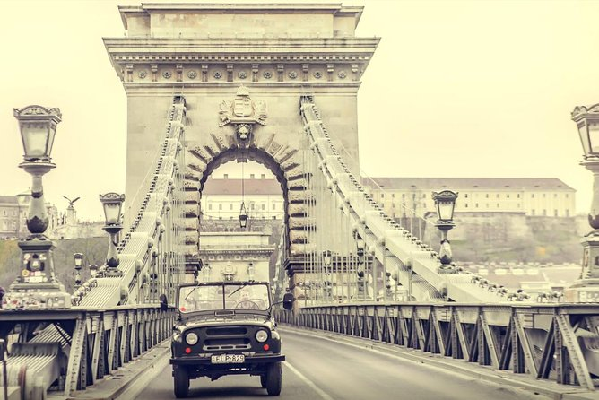 Classic Budapest Tour With Russian Jeep