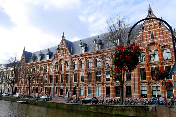 Amsterdam: Follow Rembrandt's Steps, Audio Tour on your phone (no tickets)