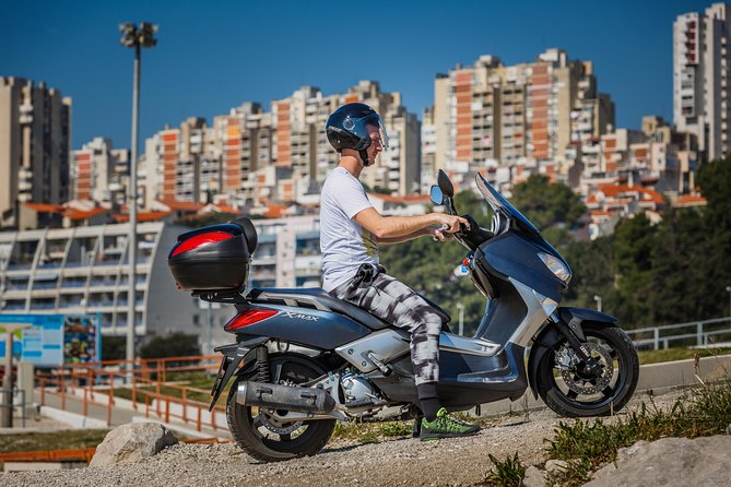 Rental - Yamaha Xmax 250 ccm