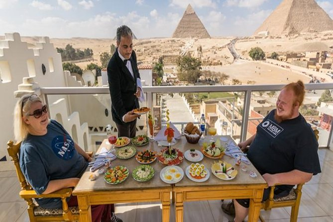 Great Pyramid Inn Lunch With Pyramids View