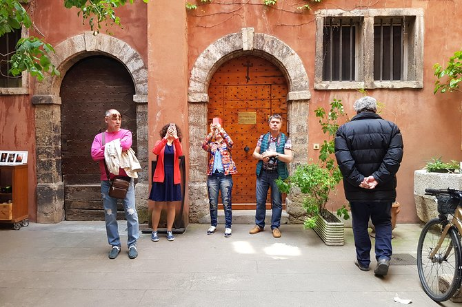 Secret Passages, Paul Bocuse Markets and Tastings at the Lyon Old Town