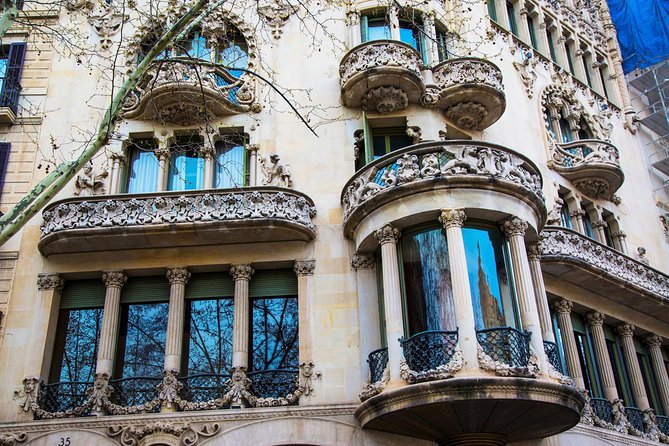Barcelona Private Walking Tour through the City of Gaudi photo 3