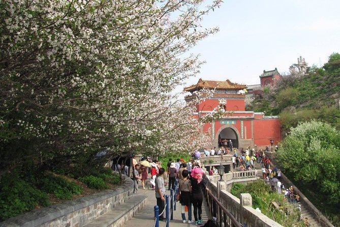 Taishan Mountain Private Tour from Jinan or Tai'an Railway Station