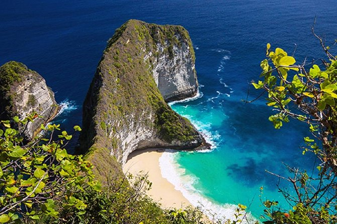 Nusa Penida island day trip with Photographer