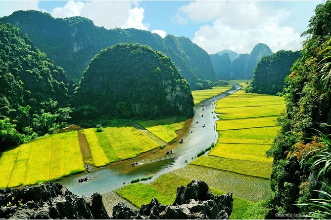 Hoa Lu Tam Coc Full-Day DELUXE Tour Including BUFFET LUNCH & River Boat Ride photo 22