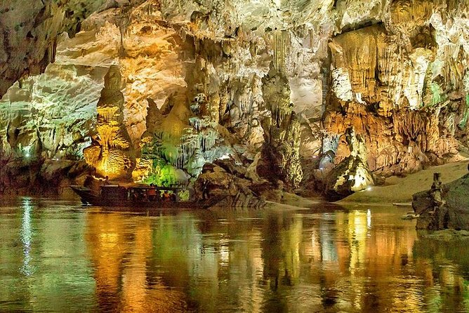 Deluxe Small Group : Phong Nha Cave-paradise Cave photo 1