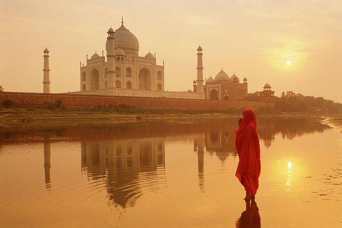 Skip-The-Line Taj Mahal Entrance Ticket with Live Tour Guide