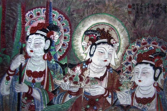 Dunhuang Highlight Tour:Visit the Mogao Grottoes and plus 3 special Caves