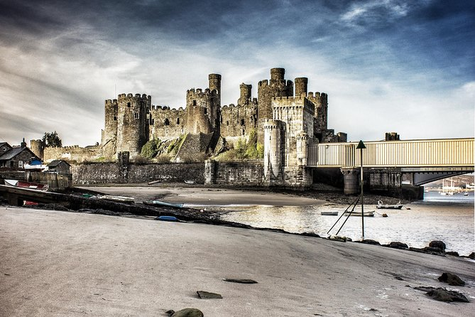 Snowdonia National Park and 3 Castles Tour