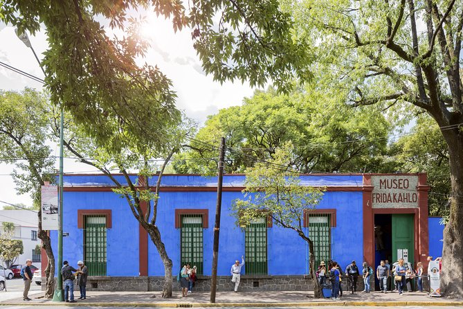 Coyoacan Frida Kahlo S And Xochimilco All Day Tour 2021 Mexico City