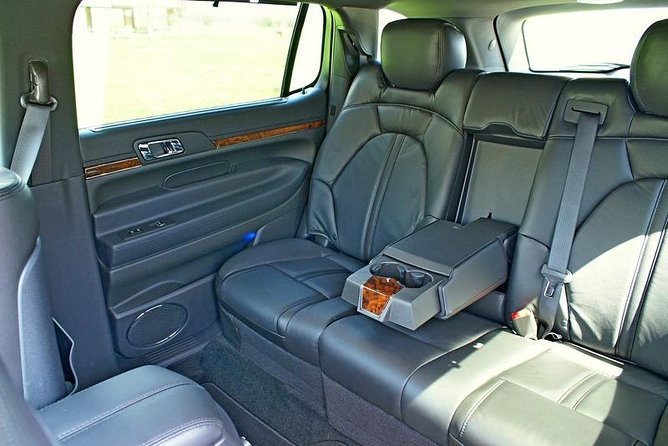 Downtown Chicago To O'Hare Airport - Luxury Private Sedan, All Inclusive