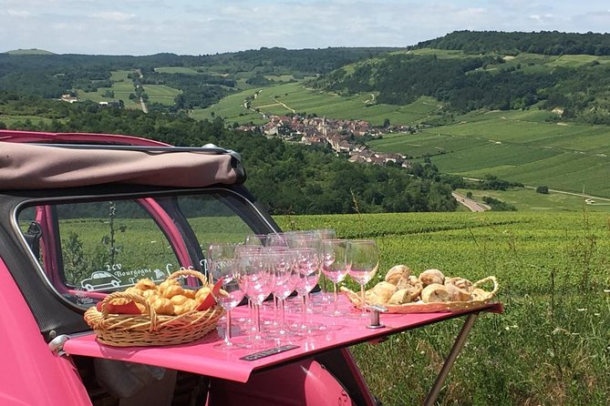 Unusual exploration of the terroirs of Burgundy in 2CV - from 6 people
