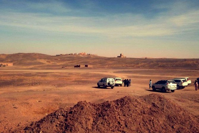 2 Hour by 4x4 in Merzouga Region, Visit Nomads, Gnawa Music. Panoramique View.
