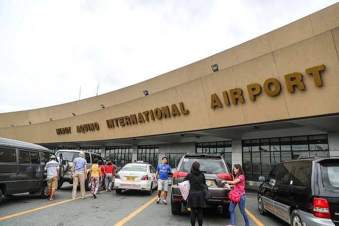 MANILA AIRPORT TRANSFER TO HOTELS in PASAY, MAKATI, BGC, MANILA (1-2 PEOPLE)