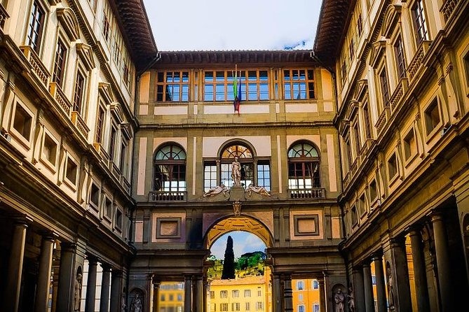 Private Morning: Uffizi Gallery and Walking Tour