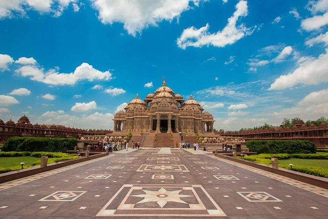 Old and New Delhi Private Guided Tour