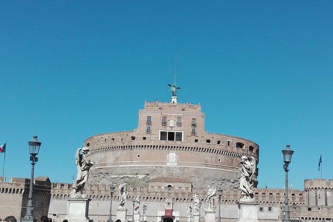 City walk trough Spanish steps, Trevi fountain, Pantheon, Navona, Angel's Castle
