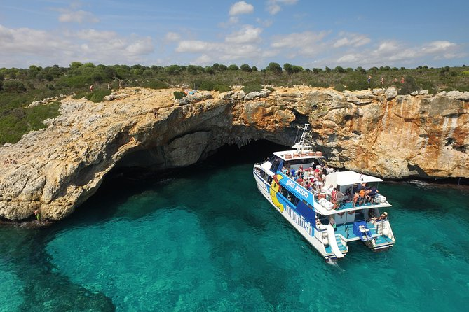 4-hour Glassbottom Catamaran Trip along the East Coast of Majorca