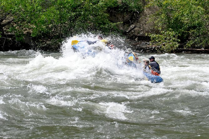 Tieton River Class 3 and 4 Whitewater - September only! photo 4