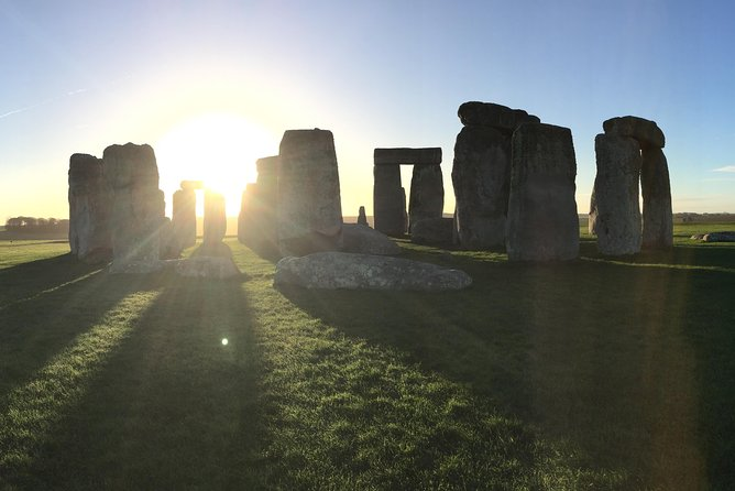 Stonehenge and Bath Private Car Tour