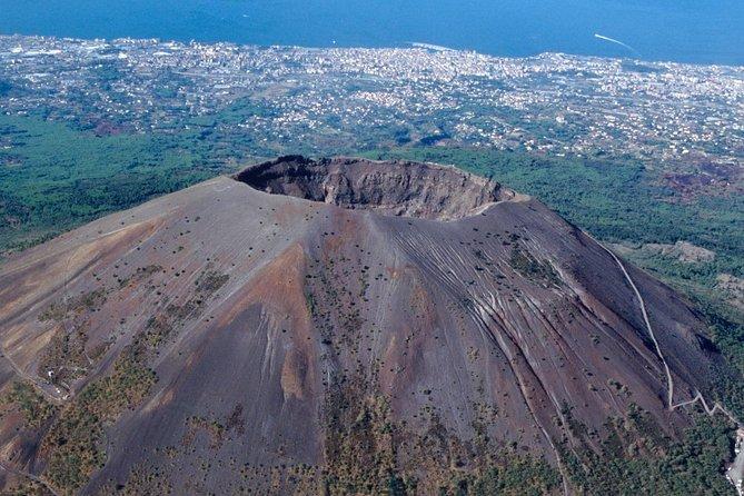 Tour of Mt. Vesuvius + Herculaneum + Pompeii (FullDay 8h)