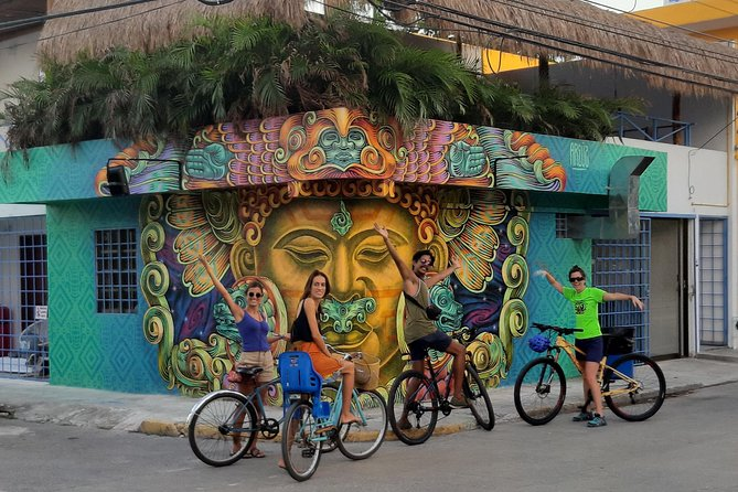 Graffitis & Munchies biketour Playa del Carmen