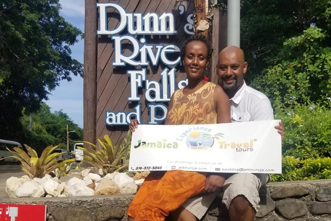 Private Tour from Montego Bay to Dunn's River Falls & Martha Brae River Rafting