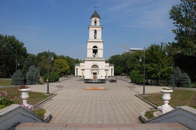 Walking City tour Chisinau Moldova