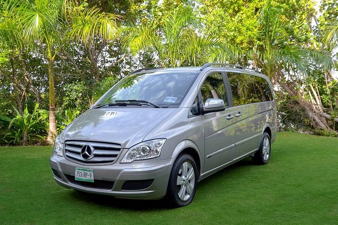 Private Luxury Airport Transfer: Hotel to Puerto Vallarta Airport