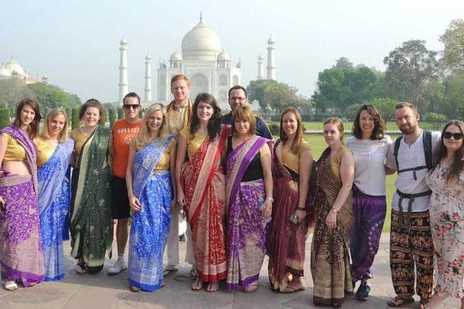 Private Tour: Taj Mahal & Agra Fort in Authentic Indian Dress