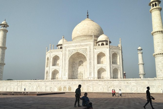 Golden Triangle Tour by Car And Driver 4 Days