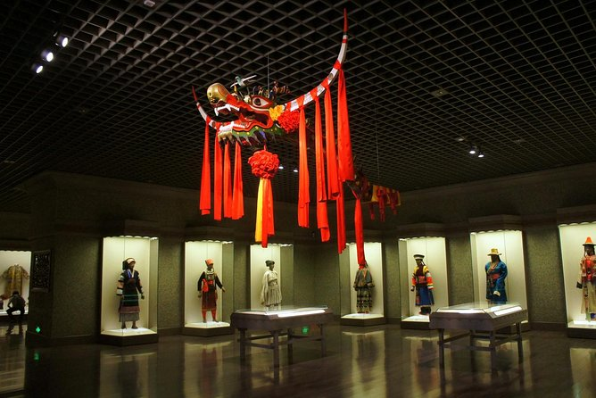 Shanghai Museum, Yu Garden, the Old Town Bazaars and Huangpu River Cruise
