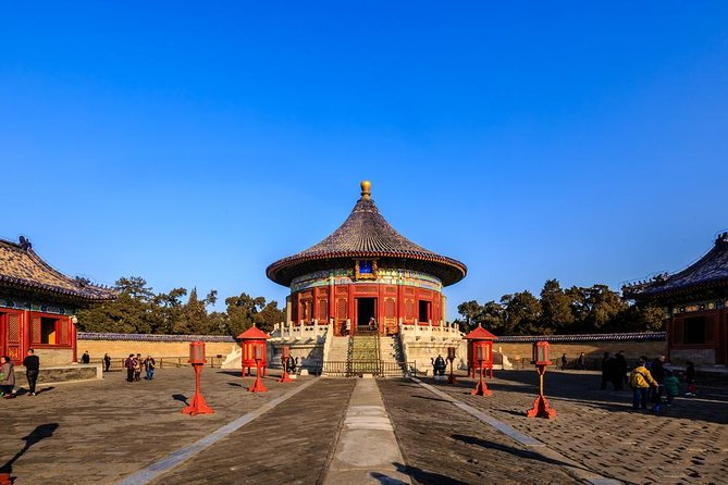 Temple of Heaven, Pearl Market, Acrobatic Show and Beijing Duck Dinner