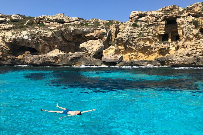 One Day Boat Tour in the Egadi Favignana and Levanzo