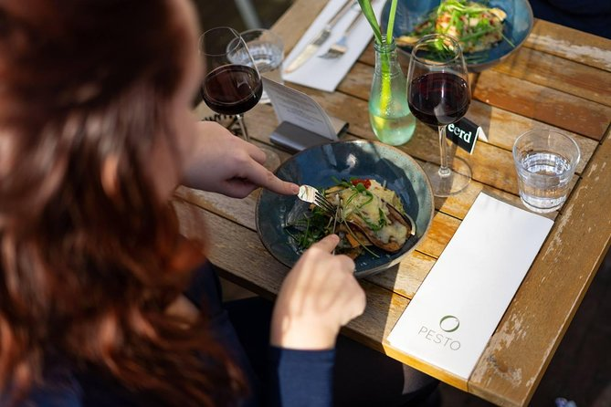 Culinary lunch in Alkmaar - SELF GUIDED FOOD & WINE TOUR