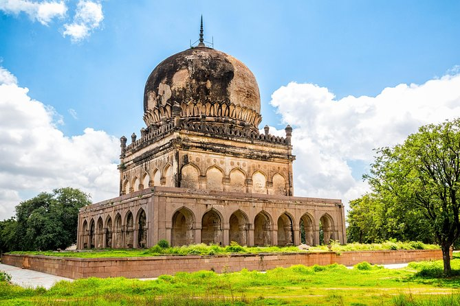 Half-Day Tour of Qutub Shahi Tomb and Golconda Fort
