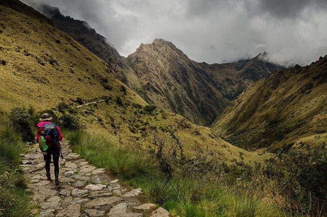 Short Inca Trail to Machu Picchu (2 Days & 1 Night)