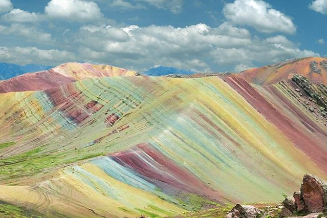 Rainbow Mountains of Palccoyo (Day Trip)