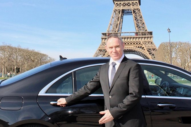 Domaine de Chantilly in Mercedes S Class Limousine, Chateau, Stables and Museum