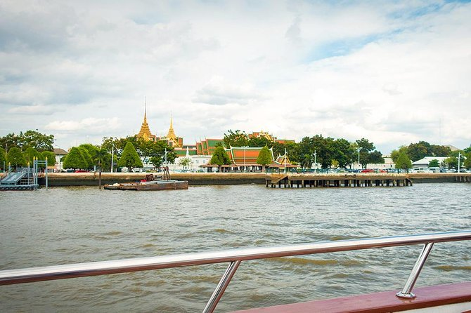 Grand Pearl : Luxury Dinner Cruise from Bangkok with Transfer photo 3