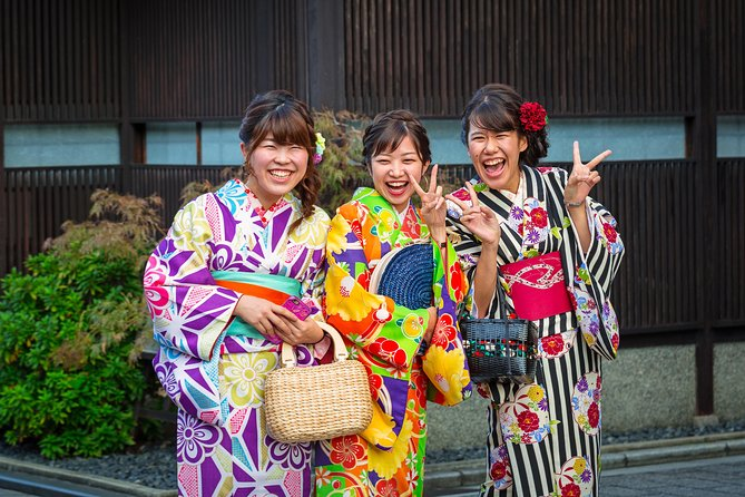 Gion Private Tour: From Historic Geisha Teahouses To Pontocho Alley
