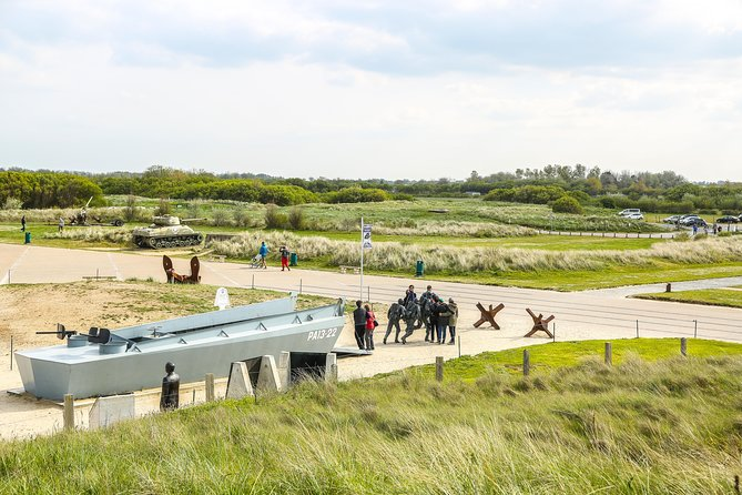 Normandy D-Day Beaches Utah, Omaha, Pointe du Hoc Day Trip from Paris