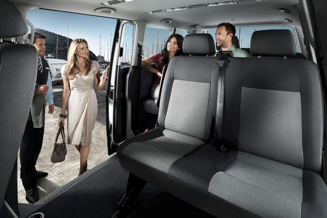 Private Departure Transfer: Santorini Hotels to Airport or Ferry Port
