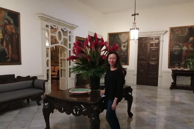 Casa Aliaga and historic buildings of Lima and Pisco sour in the Gran Hotel Bolívar