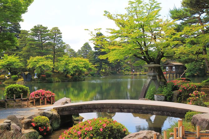 Private full day tour with professional photographer - Kanazawa all in one