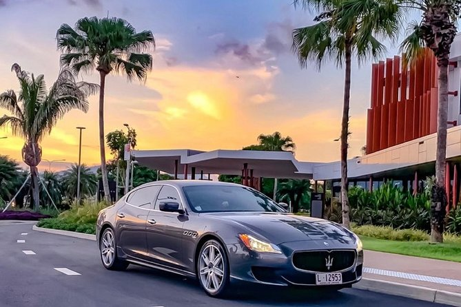 Maserati Quattroporte Limousine Transfer Cairns Airport to City