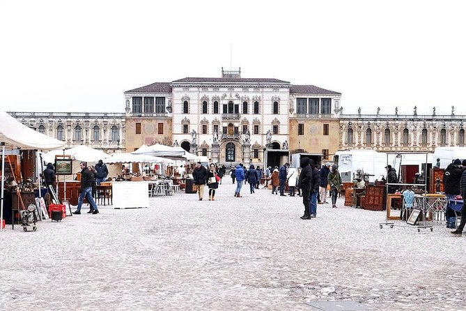 The antiques market in Piazzola Sul Brenta One of the most spectacular in Europe