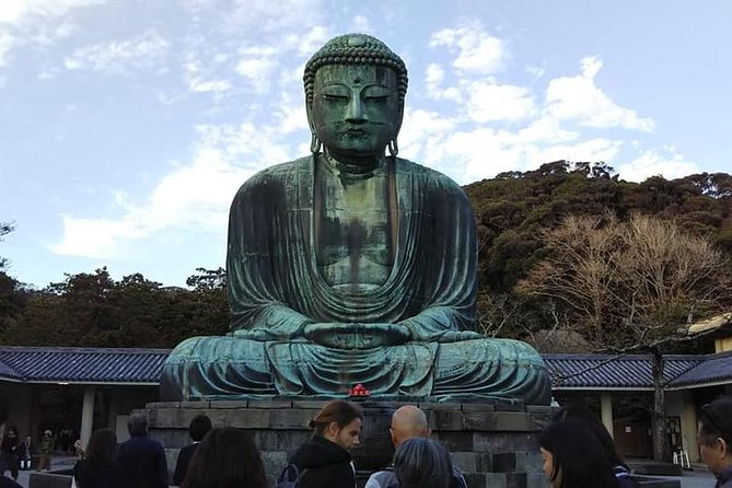8-hour Kamakura tour by qualified guide using public transportation